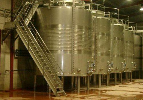 Depósito Fermentação de Tintos 35.000L -Ind. Vinicola; Campos de Castilla . 2005