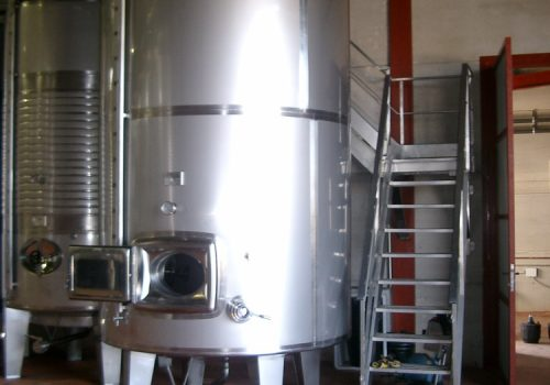 Depósito Isolado 7.500L -Industria Vinicola. - Campos de Castilla. 2005