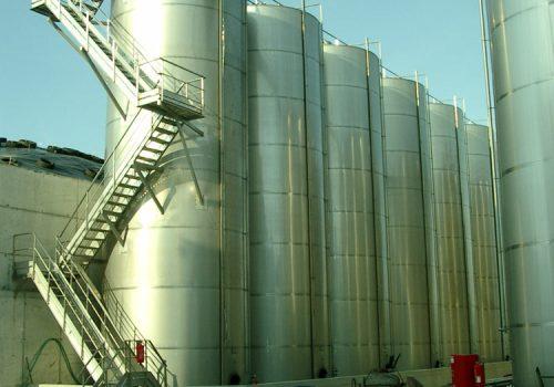 Passadeiras; Ind. Vinicola; Destilaria Longra; 2004